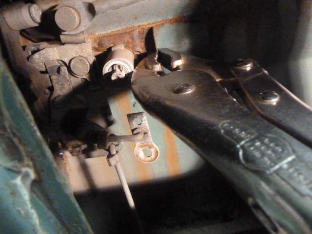 CylinderRetainer.JPG