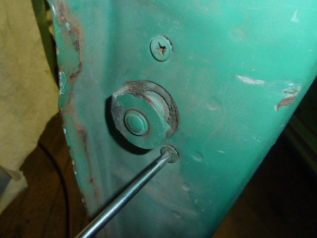 DoorLockAssyScrew.JPG